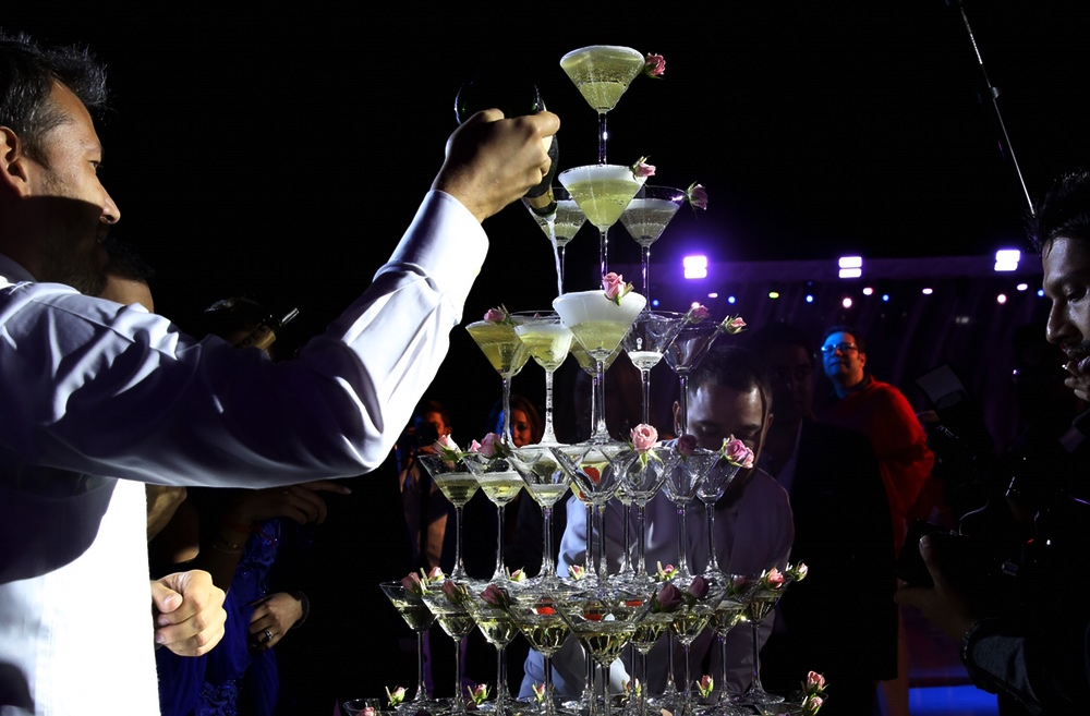 champagne-tower-go-bar-gallery pix .jpg